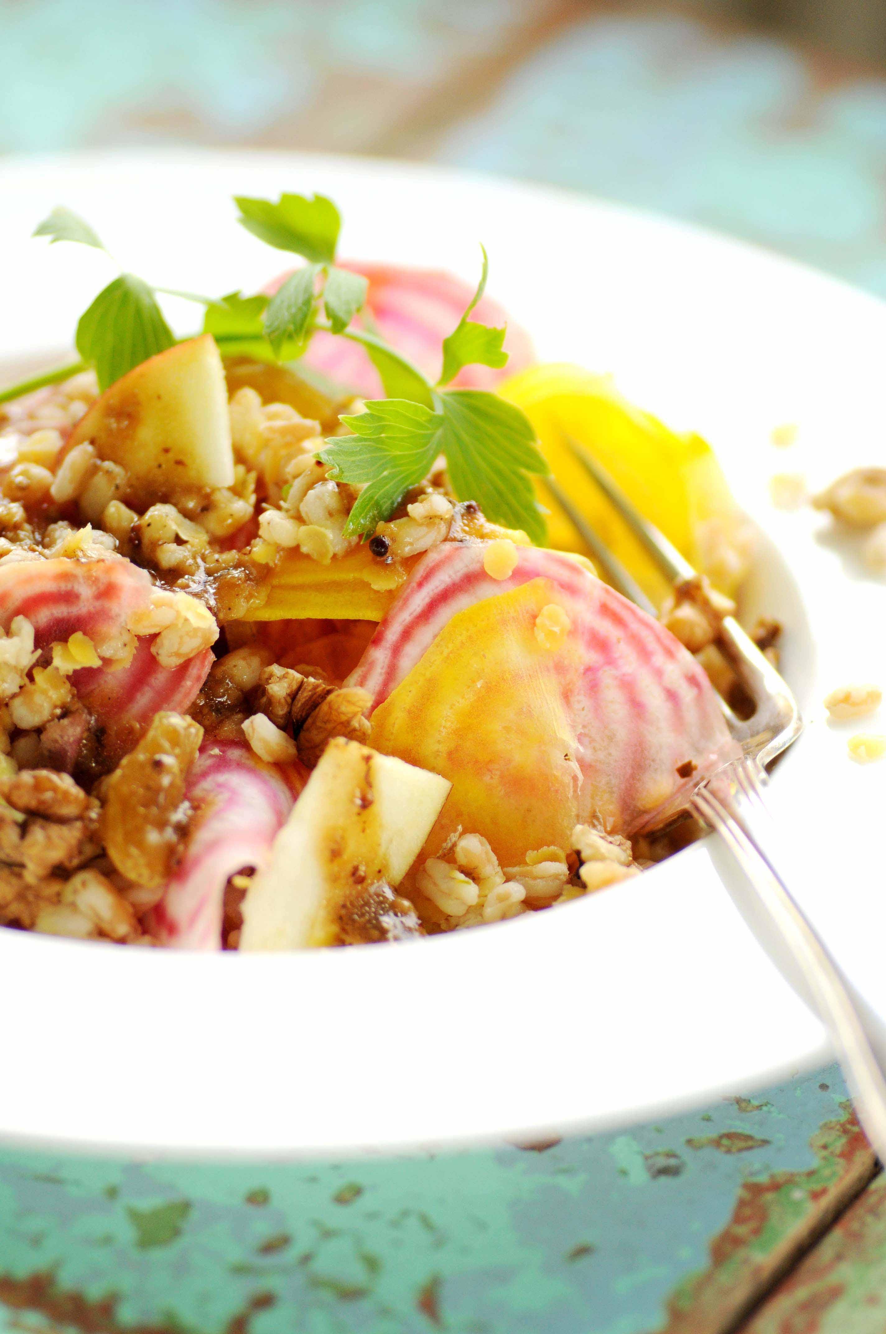 http://kirstenskaarup.dk/wp-content/uploads/2016/10/salat.perlebyg-og-rødbeder.2.jpg
